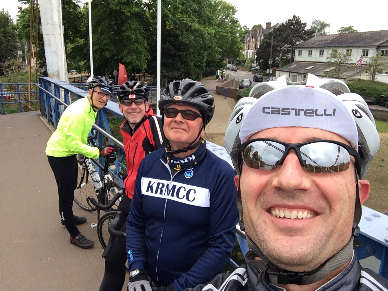 KRMCC cyclists at Teddington lock bridge